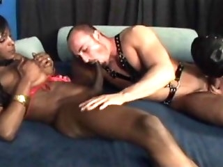 Mega Dick Tranny In Interracial Threesome